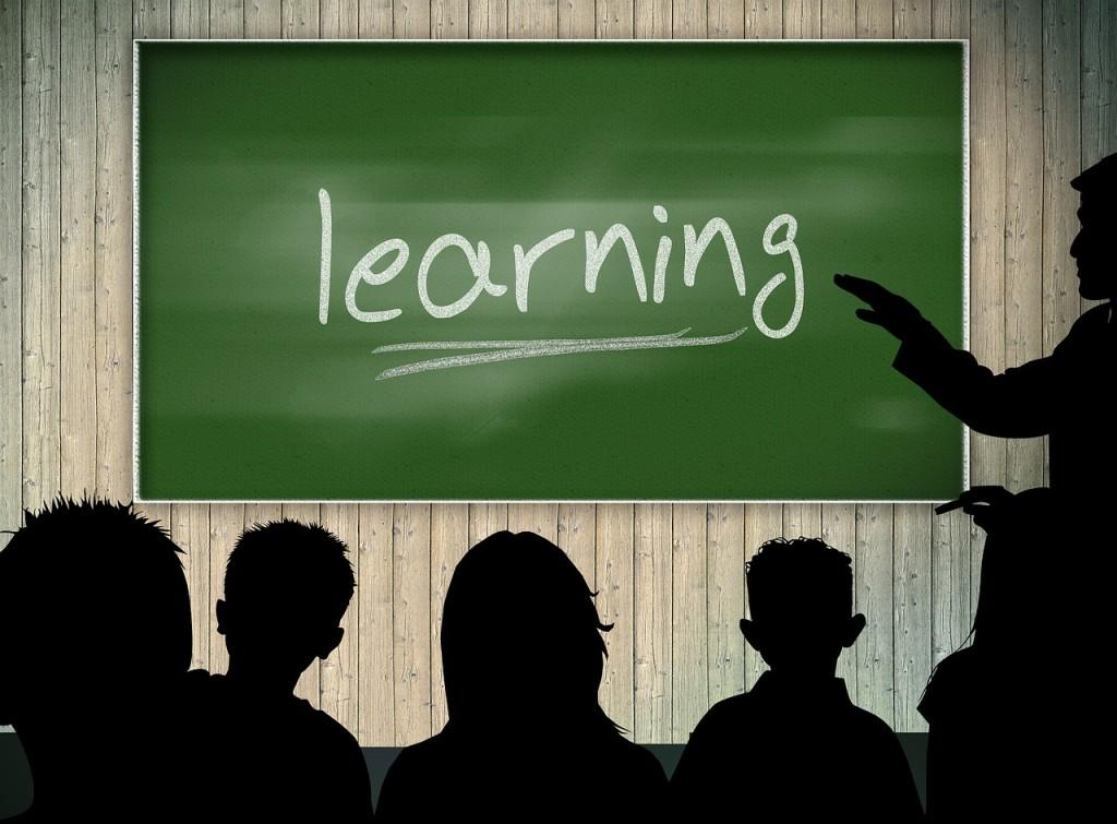classroom-379216_1280